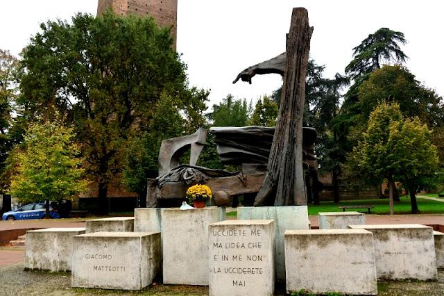 ROVIGO-MONUMENTO-MATTEOTTI
