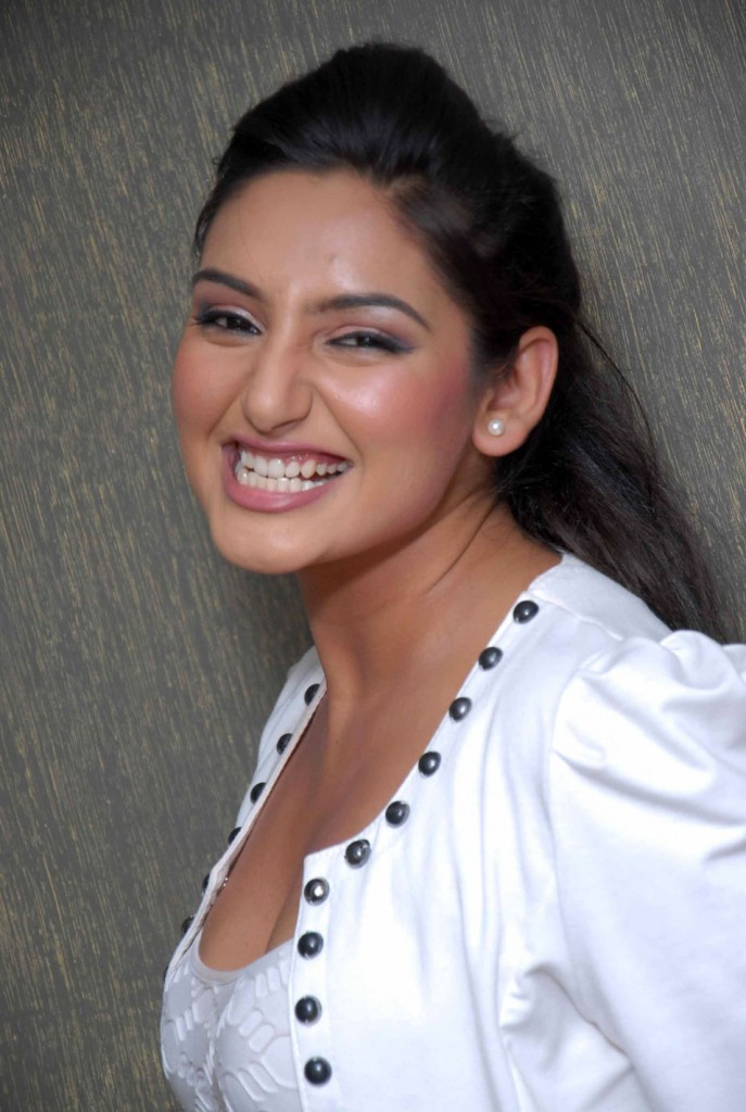 Kannada actress ragini dwivedi latest photo gallery
