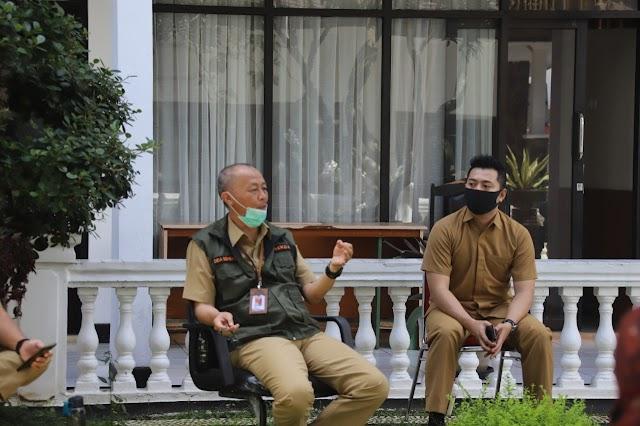 Di Ruang Terbuka, Cara Sekda Kota Sukabumi Lakukan Rapat ditengah Pandemi Covid-19