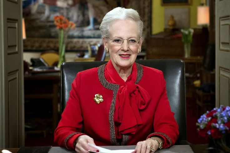 Queen Margrethe s New Year Speech   Newmyroyals   Hollywood Fashion Queen Margrethe s New Year Speech