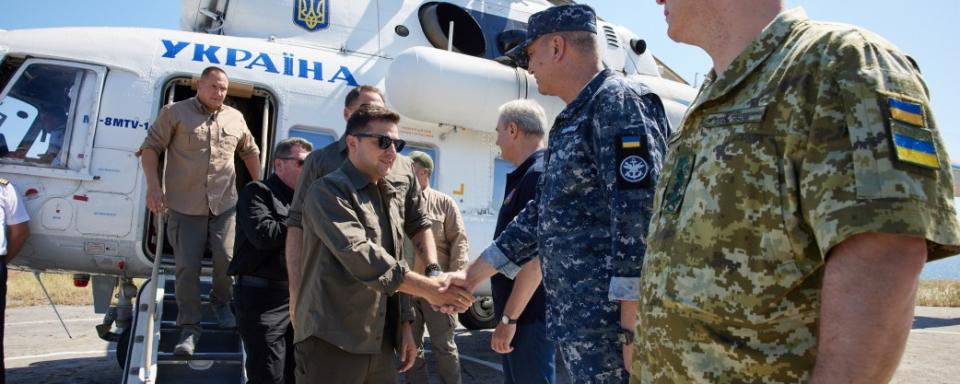 Зеленський призначив нових командувачів Повітряних Сил та ДШВ