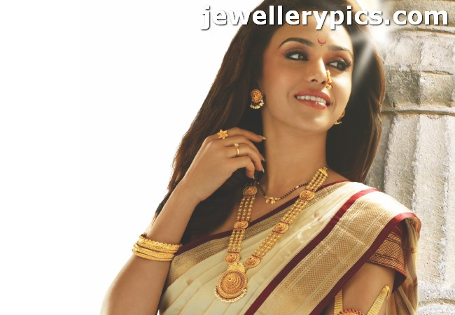 P N Gadgil Pune Jewellers Advertisements And Jewellery