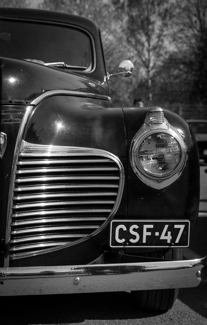 mustavalkoinen autokuva