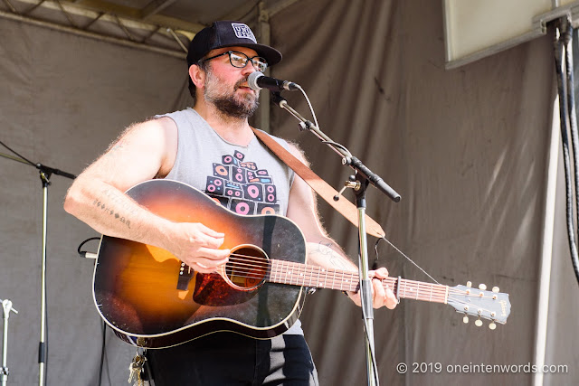 Dennis Ellsworth at Riverfest Elora on Saturday, August 17, 2019 Photo by John Ordean at One In Ten Words oneintenwords.com toronto indie alternative live music blog concert photography pictures photos nikon d750 camera yyz photographer summer music festival guelph elora ontario