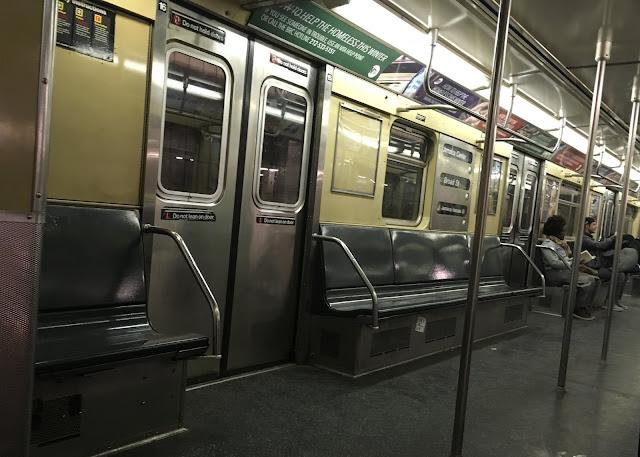 interior del metro de Nueva York