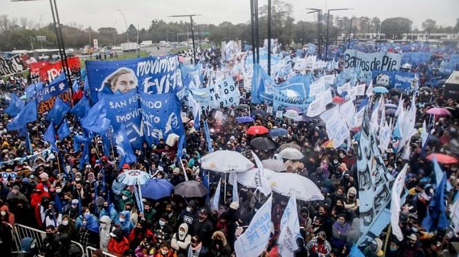 Por pedido de Alberto Fernández, se suspendió la marcha en su apoyo
