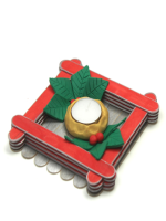 http://www.pequeocio.com/manualidades-navidad-centro-mesa-navideno/