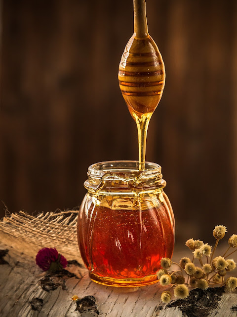 Honey. Eat so what. Smart ways to stay healthy by La Fonceur