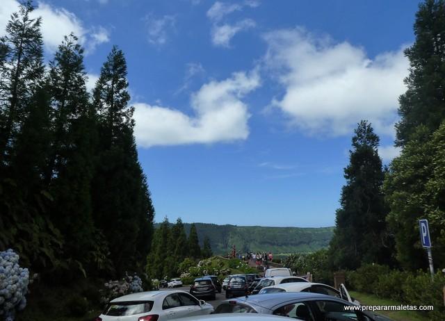 atasco en miradores en Azores (turismo agosto)