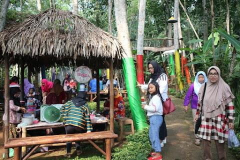 Berburu Aneka Kuliner Tradisional di Pasar Karetan Kendal