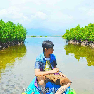 Foto Ganteng Angga Aldi Yunanda naik Kapal di lombok