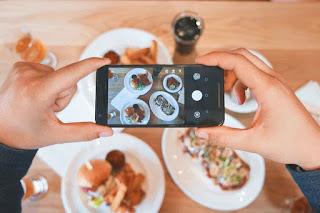 Modal Pakai HP: Tips Buat Foto Makanan Jadi Lebih Instagramable!