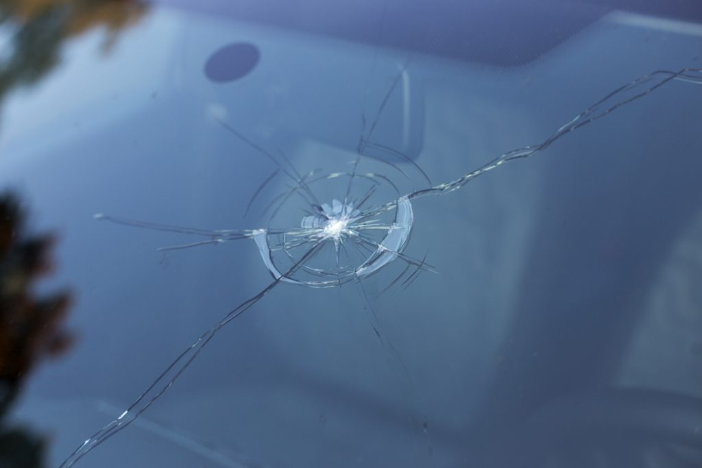Tips for Avoiding Windscreen Damage While Driving