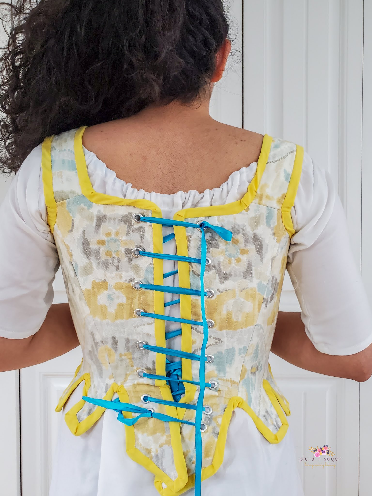 Wearing and making 18th century corset and chemise pattern review of Simplicity 8162