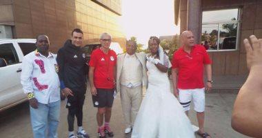 كوبر والحضري ضمن الحضور في حفل زفاف بالجابون قبل ماتش النهائى الافريقي