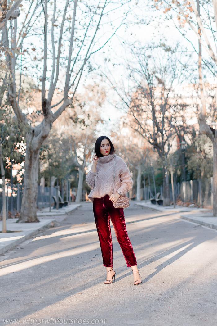 Streetstyle Ideas para un Look abrigado de fiesta pantalones de terciopelo burdeos y jersey de lana