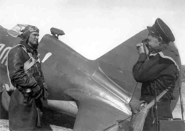 Soviet pilots Boris Safonov and Evgeny Khaldey, 6 July 1941 worldwartwo.filminspector.com