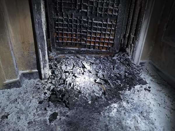 Гума горя пред дома на фоторепортера Борислав Пенков