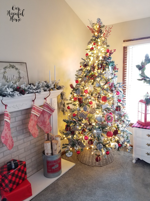 pre-lit artificial farmhouse Christmas tree