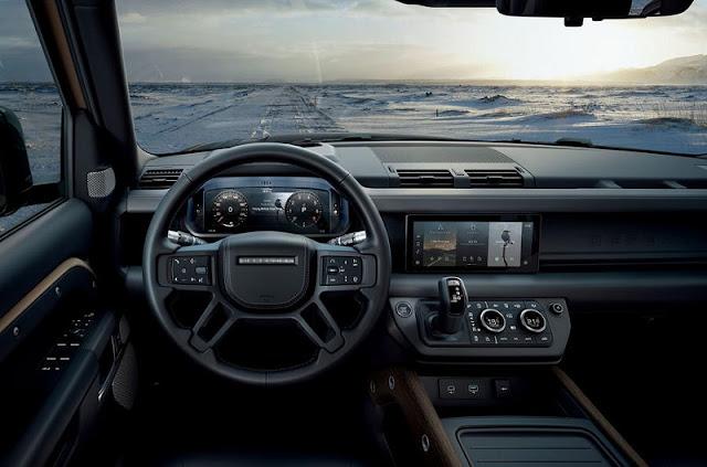 Thiết kế vô lăng và táp lô  hiện đại, tập trung vào khả năng Off-Road.