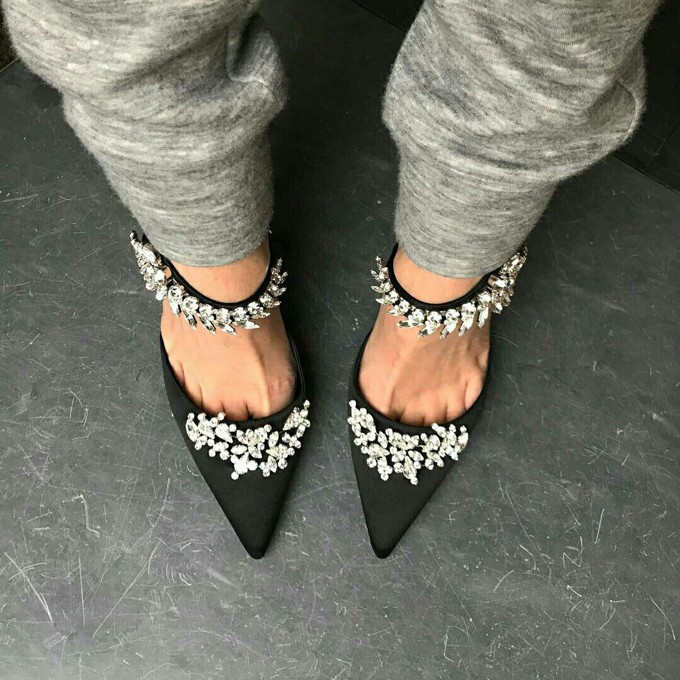 402c7e39a Gosto Disto!  Sapato com pedraria é tendência para Cinderelas urbanas