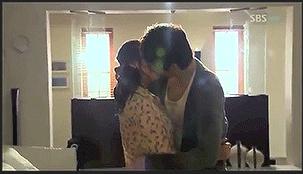 ciuman bibir drama korea