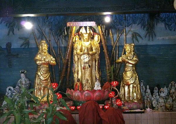 Patung Vihara Avalokitesvara