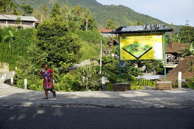 Mengunjungi Kampung Berseri Astra Tanon