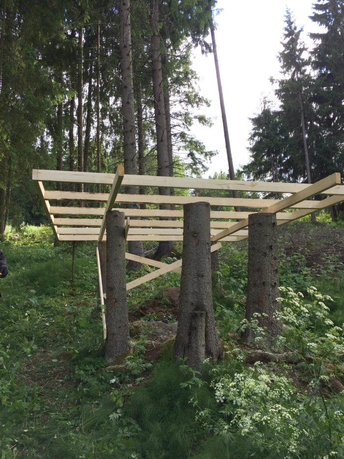 puumajan lattian rakennus