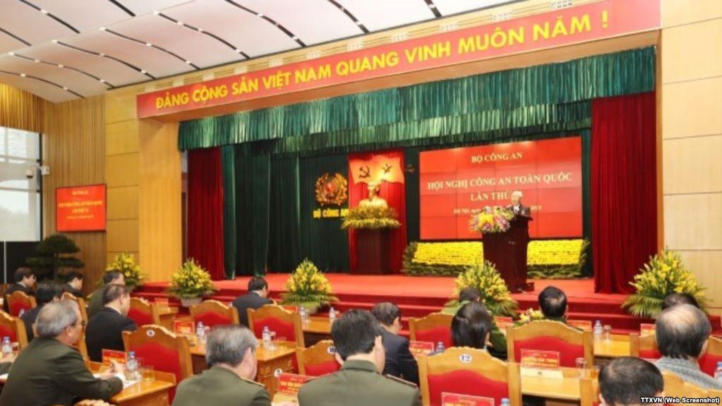Xem Gia Vang: Bauxite Việt Nam: Xem Phẩm Giá Là Vàng Hay để Bị Coi Như… Rác?