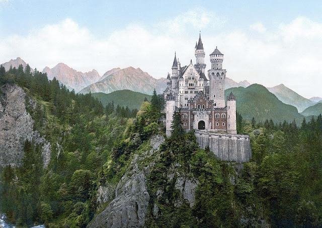 1280px-Neuschwanstein_Castle_LOC_print.jpg