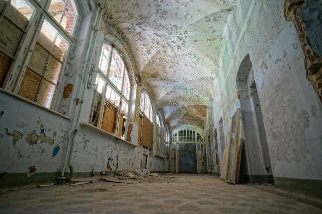 chateau urbex