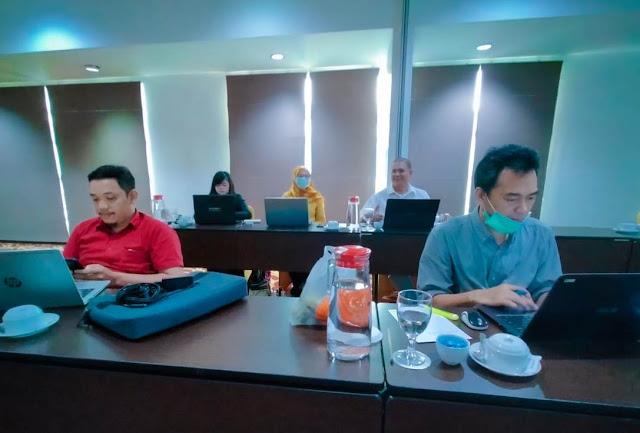 Peserta pembahasan draft Pergub Pokja REDD+ Kalbar