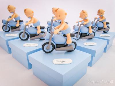 menininho na moto biscuit caixinhas lembrancinha