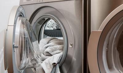Di masa yang moderen ini insan pada umumnya sudah dimudahkan dengan banyak sekali alat otomat 5 Cara Membersihkan Mesin Cuci di Rumah dengn Mudah