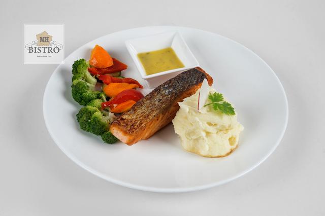 Grilled Salmond with Lemon Butter Sauce | Cá hồi nướng