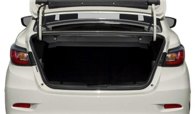 yaris-storage-space-trunk-2020
