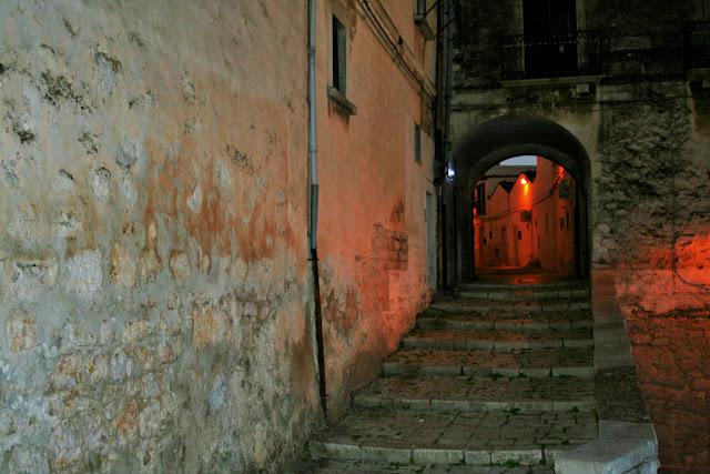 borgo antico Minervino, Minervino, borgo antico, scalini, gradini, stradina, viuzza