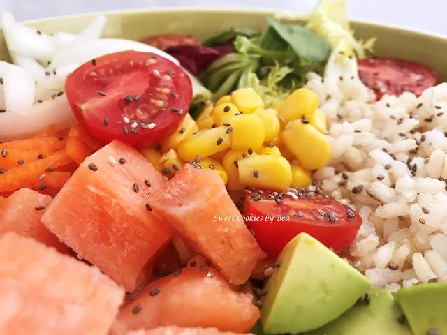 Poke de arroz y salmón