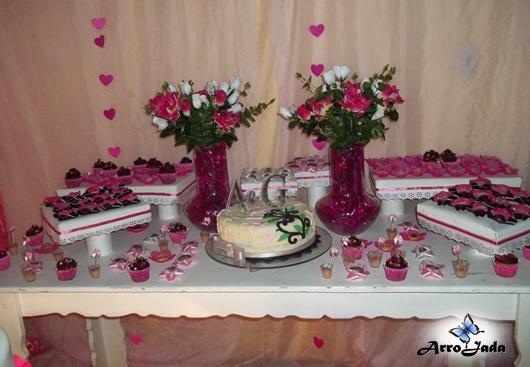 Mesa doces bolo letras dos noivos