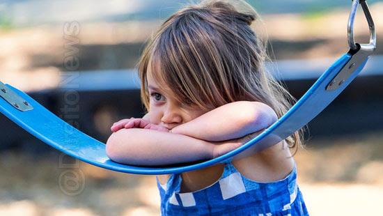 crianca discriminacao indenizada parque diversoes direito