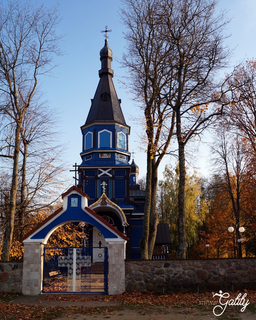 drewaniana-niebieska-cerkiew-puchly