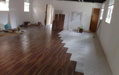 Stefany m veis planejados pisos laminados for Pisos laminados homecenter