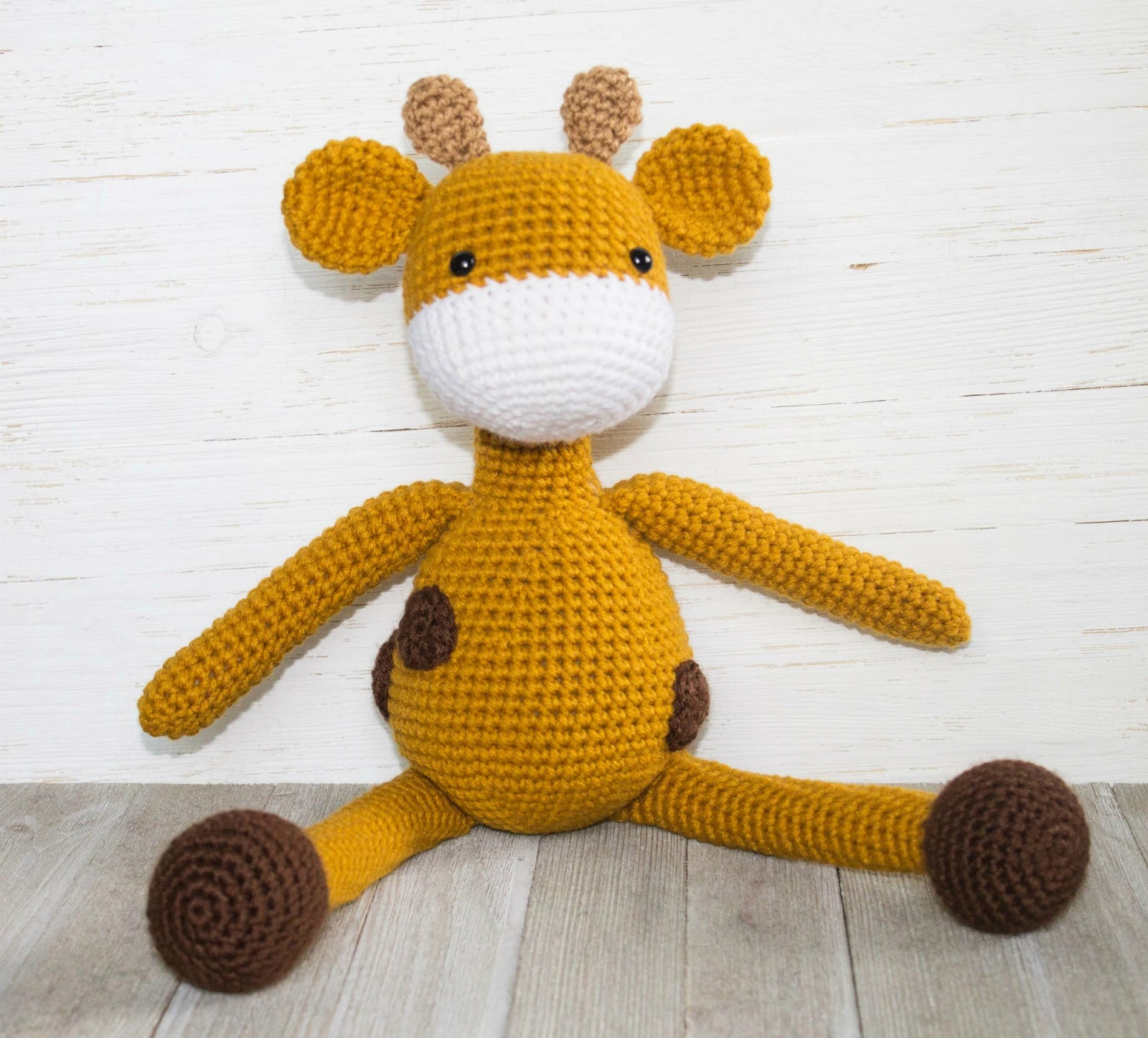 Giraffe Crochet Patterns -Amigurumi Tips - A More Crafty Life | 1446x1600