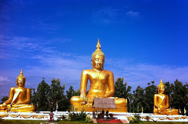 Looking for 3 Sitting Buddha's in Santisuk - Nan Thailand