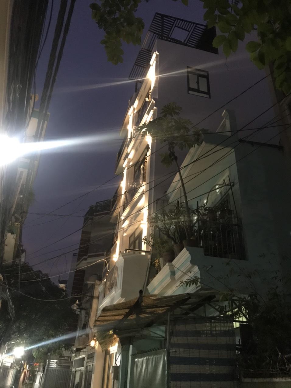 Bán nhà hẻm xe hơi Phan Xích Long quận Phú Nhuận Nhà mới xây 3 lầu sân thượng