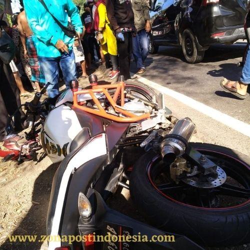 Kecelakaan Lalu Lintas Di Jalan Raya Desa Kotakan KM 200 Situbondo, Melibatkan Dua Pengendara Sepeda Motor