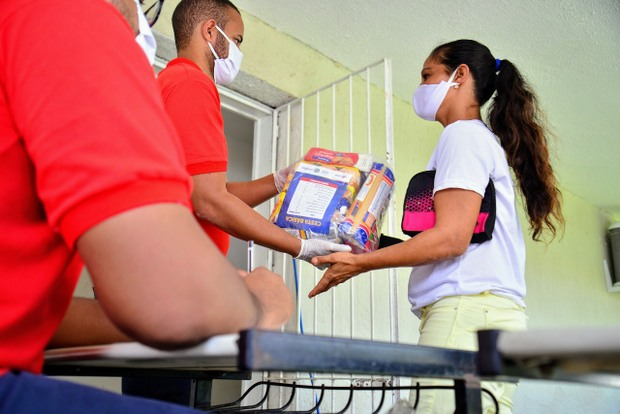 Mais de dois mil comerciantes informais já receberam apoio assistencial do Estado na Operação Quarentena