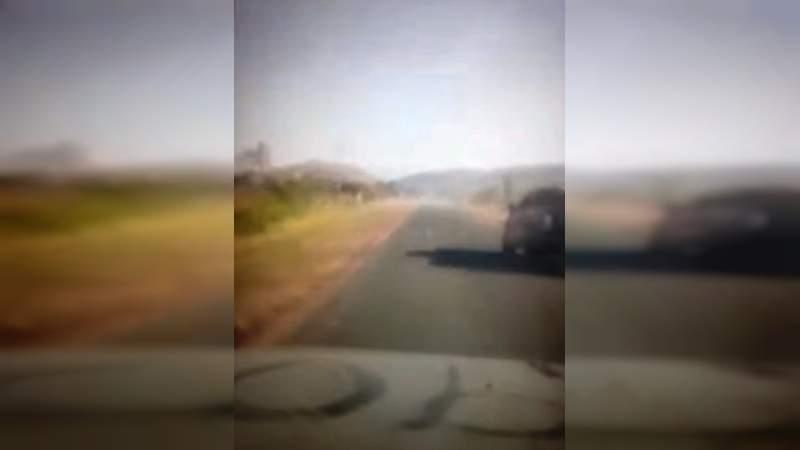 Video: Sicarios del CJNG corretearon a uno de los líderes de Carteles Unidos en Michoacán tras haber insultado a El Mencho