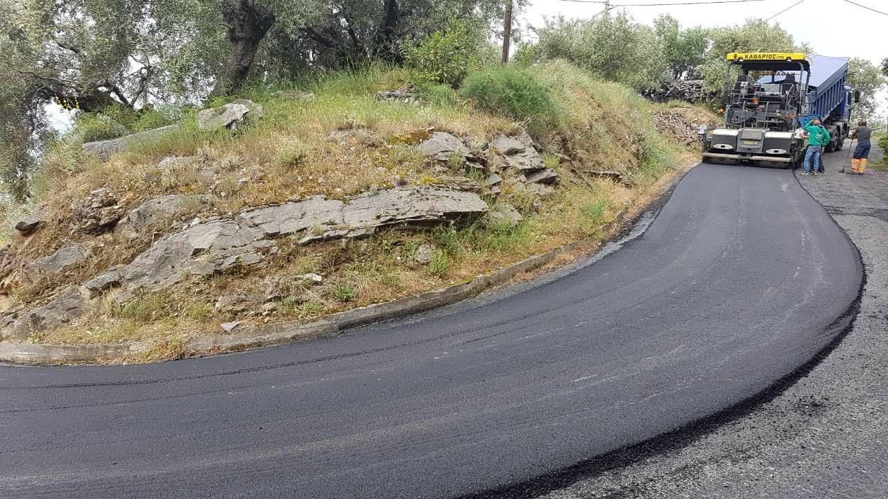 Βελτιώνει το δρόμο από Γλυκομηλιά έως Κρύα Βρύση η Περιφέρεια Θεσσαλίας